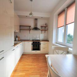 Slnečný klimatizovaný moderný 2izb byt s balkónom pri Štrkovci