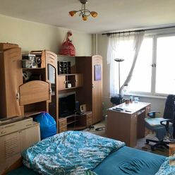 Predaj 1-izbového bytu so šatníkom/komorou, ul. Hanulova BA IV - Dúbravka