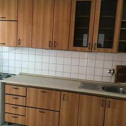 Dáme do prenájmu veľký 3 izbový byt na Robotníckej ulici Bratislava III exkluzívne