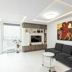 P R E D A J - moderný 2 izbový byt so zariadením v cene