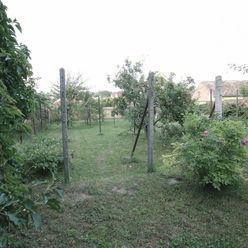 Na predaj starší rodinný dom s pekným pozemkom v Ružindole