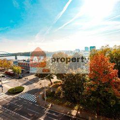 Ponúkame na prenájom pekný 4 izbový byt s parkovaním a výhľadom na Dunaj na Vajanského nábreží