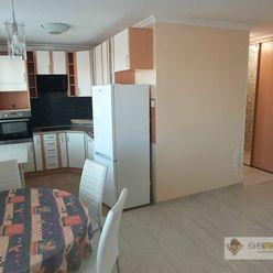 Ponúkame na predaj pekný 2 - izbový byt v Komárne