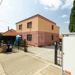 Directreal ponúka Veľkorysý dvoj-dom na Čermáni po prevažnej rekonštrukcii s kombinovanými možnosťam