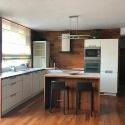 4 Izbový byt na Sklenárskej na prenájom