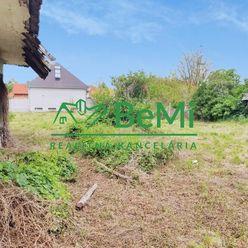 Na predaj veľký pozemok - Komoča (012-14-MIPAa)