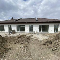 Directreal ponúka NOVINKA! Novostavba tehlového 4-izb. dombytu č. 1 so záhradou a parkovacími státia