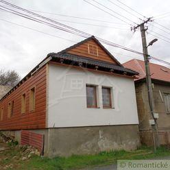 Menší domček v pokojnej dedinke Tuhár