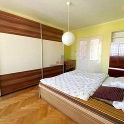 3 iz byt 70 m2 s lódžiou na Teplickej ulici v Piešťanoch
