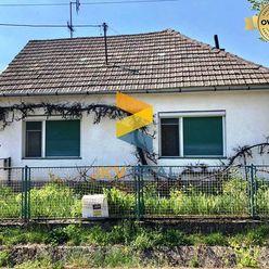 REZERVOVANÉ   Pekný rodinný dom s pozemkom 1401m2