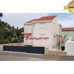 NIN/ZATON - rodinný dom na predaj, 180 m od mora