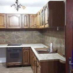 --PBS-- Tehlový 3.-izb. byt po čiastočnej rekonštrukcii v obci Horné Orešany - časť Majdán