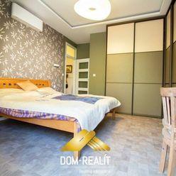 DOM REALÍT Vám ponúka na predaj 3 Izbový Byt priamo v Historickom Centre Bratislavy na Zochovej ulic