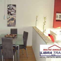 Ponúkame Vám na predaj čiastočne zariadený, kompletne prerobený 3 izbový byt v meste Štúrovo.