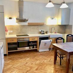 Na prenájom pekný 2.-izb. zariadený byt s krbom v rodinnom dome, terasa, parkovanie vo dvore, top lo
