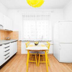 HOUSE & WEBER I 3i byt, STARÉ MESTO, 93m2, TEHLA, možnosť prerobiť na 4-izbový