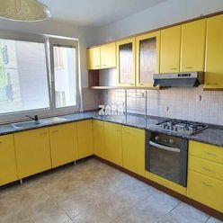 4-izbový byt 82 m² + Loggia, ul. Pekinská. Kúpou voľný