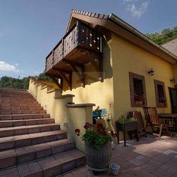 Directreal ponúka REZERVOVANÉ Nádherný rodinný dom pod hradom Červený Kameň