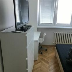 NA PRENÁJOM: Izba v dvojizbovom prerobenom byte pre jednu osobu  priamo v centre mesta Trnavy