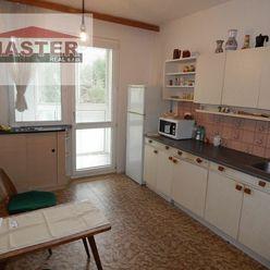 MASTER REAL- Na Predaj 3-izbový byt, 72 m2 s loggiou, Prievidza, sídlisko Zápotôčky