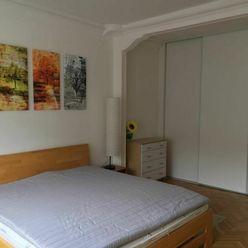Dáme do prenájmu 2 izbový byt na Kmeťovom námestí Bratislava I