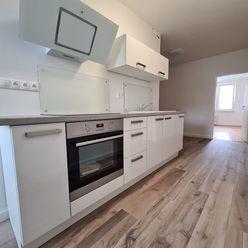 2 izbový byt v centre, nepriechodné izby, 62m2