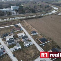 Stavebný pozemok (488 m2) Banka pri Piešťanoch