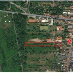 Stavebný pozemok 2920m2 v Devínskej Novej Vsi, Istrijská ul.