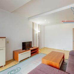 P R E D A J  3 izbový byt v Malackách na Veľkomoravskej ulici.