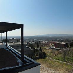 POD BÔRIKOM - 5 izbový byt s predzáhradkou a bazénom G2