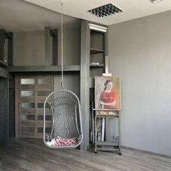 REALITY SOAR Výnimočný byt pre výnimočných ľudí. ATELIÉR Nitra Chrenová