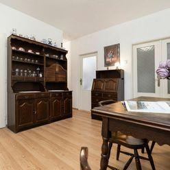 Veľkometrážny 3 izbový byt v Dúbravke