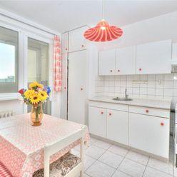Ponúkame na predaj 3 izbový byt v Devínskej Novej Vsi