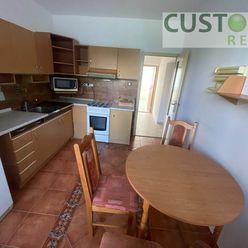 Zrekonštruovaný 3-izbový byt s loggiou, 70m2, Solinky