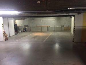 PREDAJ - Uzatvarateľná garáž v komplexe 3 Veže, BA III.