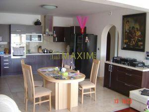 Predaj veľkometrážneho 3-izbového bytu (111m²) na Vajnorskej ulici s výťahom- 2x kúpeľňa, 2x wc, 2x