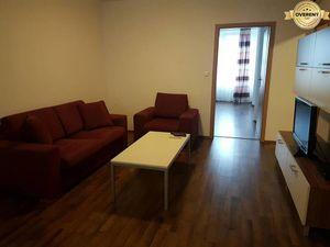 PRENÁJOM - 2 izbový byt v centre mesta s parkovacím miestom - Nitra