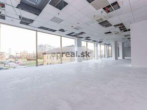 Obchodno - prevádzkový priestor vhodný na showroom, ambulanciu, služby, kancelárie 220 m2 vo Vienna