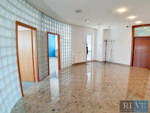 160 m2 – administratívny celok s výborným komfortom
