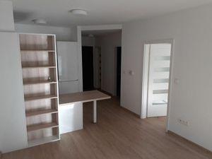 Hliny 3 - 2 izb. byt s balkónom, NOVOSTAVBA v širšom centre