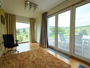 Luxusná 5 izb. vila 240m2, záhrada, parking, súkromný areál, Pezinksá ul., BA III, TERASA, výhľad