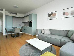 Na predaj zariadený 2-izbový byt s výhľadom na hrad v projekte SKYPARK