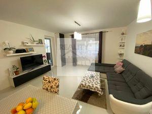3 - izbový priestranný byt 62 m2, kryté parkovacie miesto -  Rajka