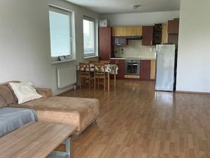 PRENÁJOM - 2 izbový zariadený byt na ulici Kornela Mahra