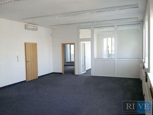 74 a 85 m2 – kancelárie v menšom administratívnom objekte