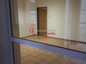 Prenájom kancelárskych priestorov II v Bratislave na Kominárskej ulici.