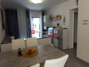 Predaj zariadeného apartmánu na ostrove Vir v Chorvátsku.