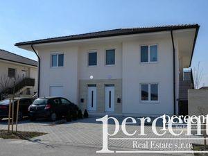 3 – izbový byt so záhradkou v Dunajskej Strede /štvorbytovka/