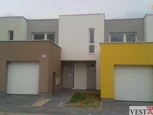 Na predaj novostavba rodinného domu 4+1 s garážou, Leopoldov