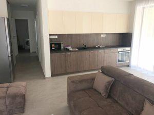 Prenájom 2-izbového bytu s parkovaním  v novostavbe v tichej lokalite - Nitra